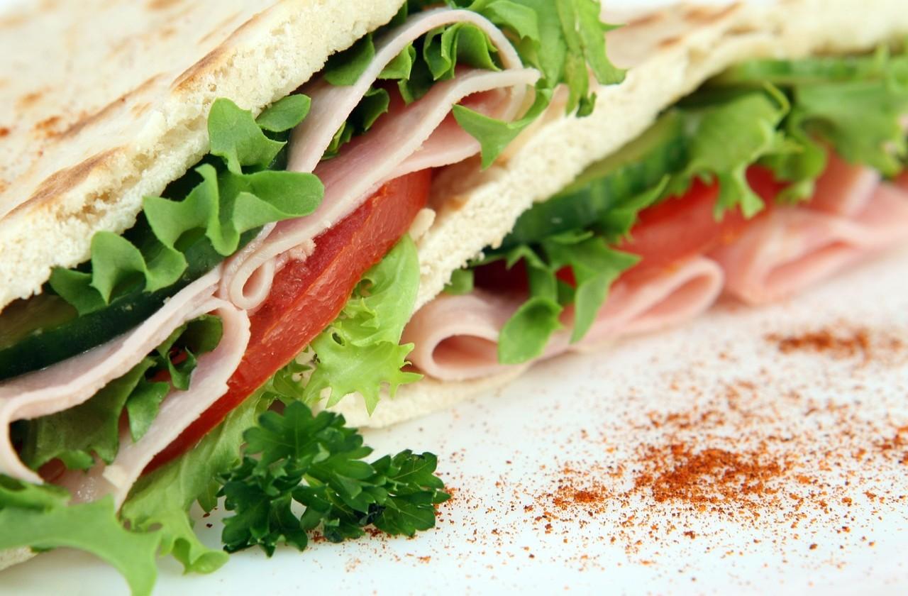 Przepis na kanapkę z szynką