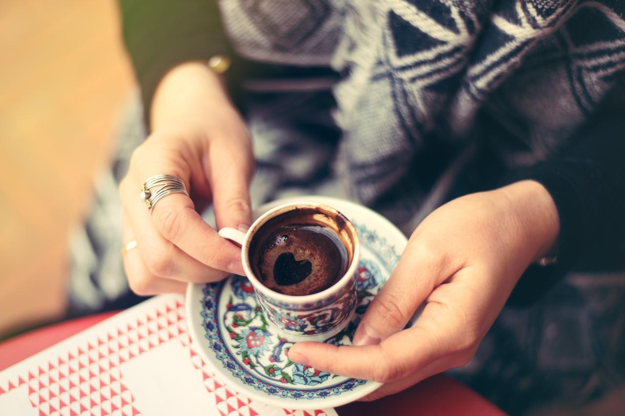 Kawa po Turecku. Jak zrobić kawę po turecku